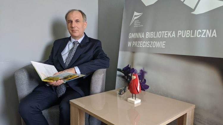 """""""CAŁA POLSKA CZYTA DZIECIOM"""" W GMINNEJ BIBLIOTECE PUBLICZNEJ W PRZECISZOWIE."""