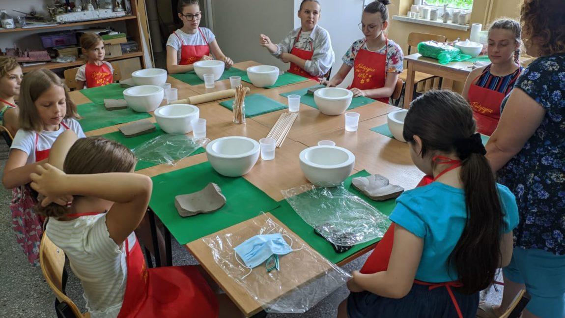 Zaczynamy wakcje warsztatami ceramicznymi!